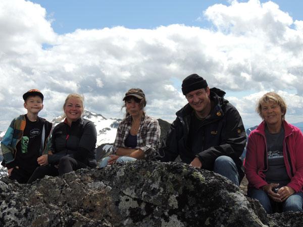 Trek Canada - Hiking