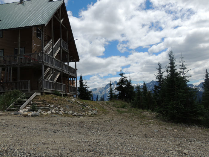 Tsuius Mountain Lodge