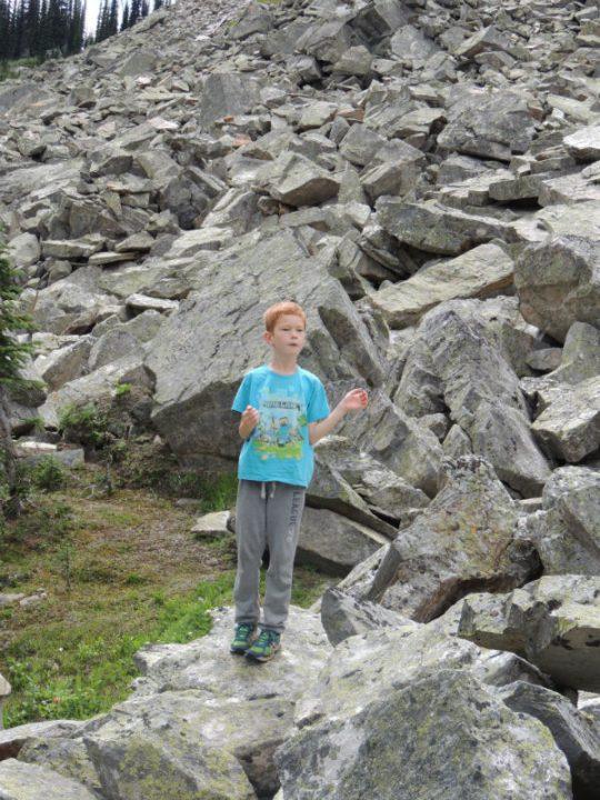 Rockslide neat Mirror Lake
