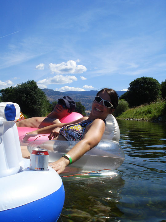 Things to do in the Okanagan Valley - tubing the Shuswap